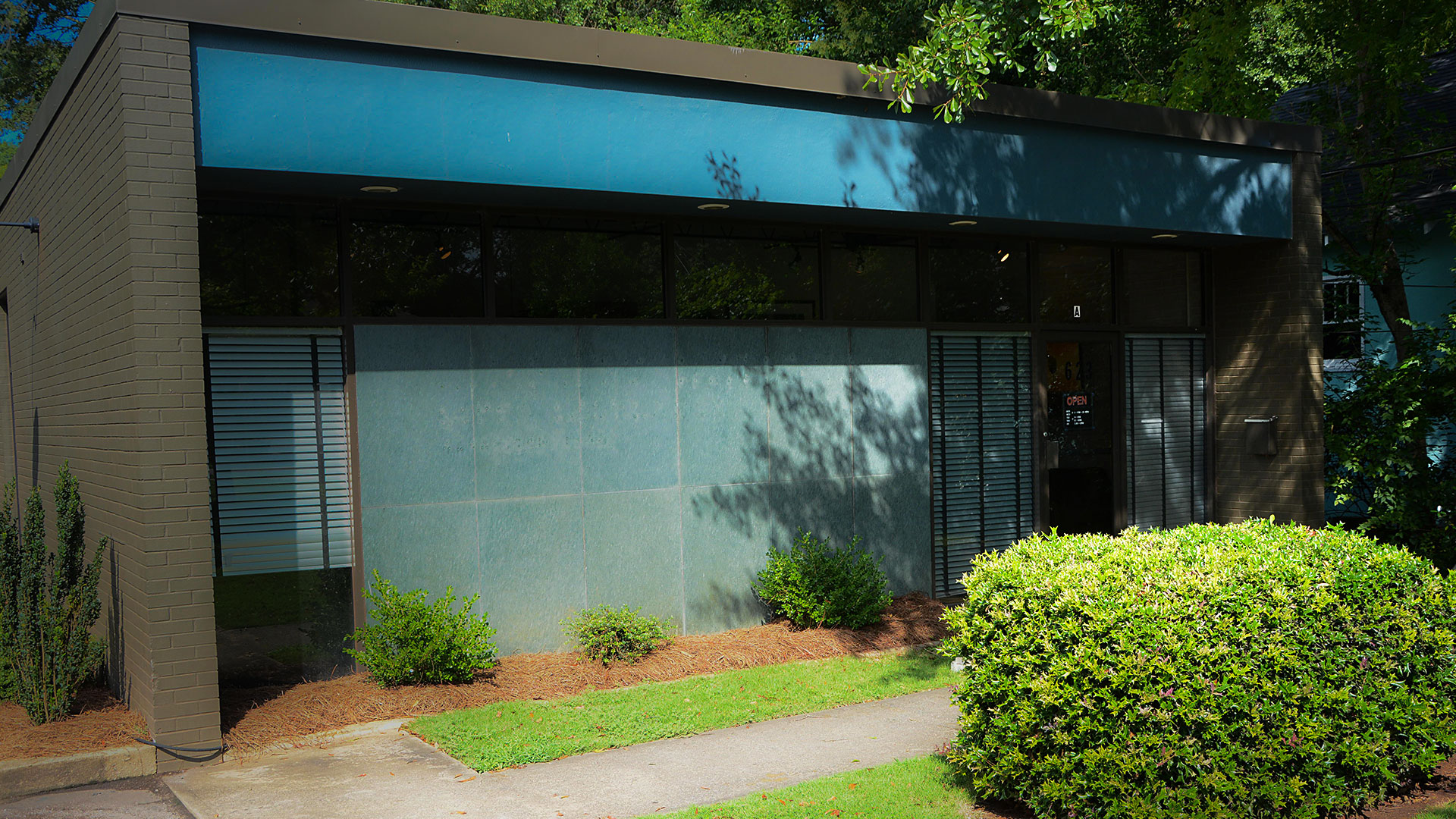 athens-chiropractic-healthcare-front